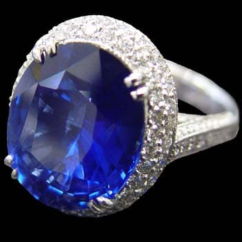 Cushion Cut Sapphire Ring 1