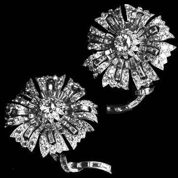 Art Deco, Platinum Double Clip Flower Brooch 1