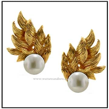 David Webb Pearl Earrings 1