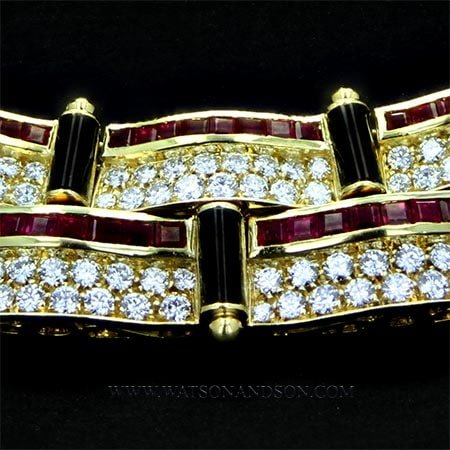 18 Kt Yellow Gold Ruby Diamond And Onyx Collar 4