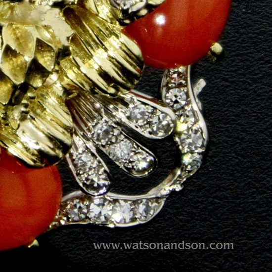 Coral And Diamond Pendant / Brooch In 18 Kt Yellow And White Gold 3