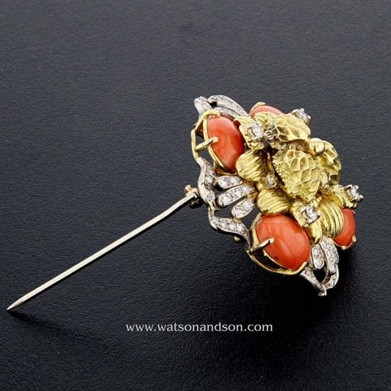 Coral And Diamond Pendant / Brooch In 18 Kt Yellow And White Gold 2