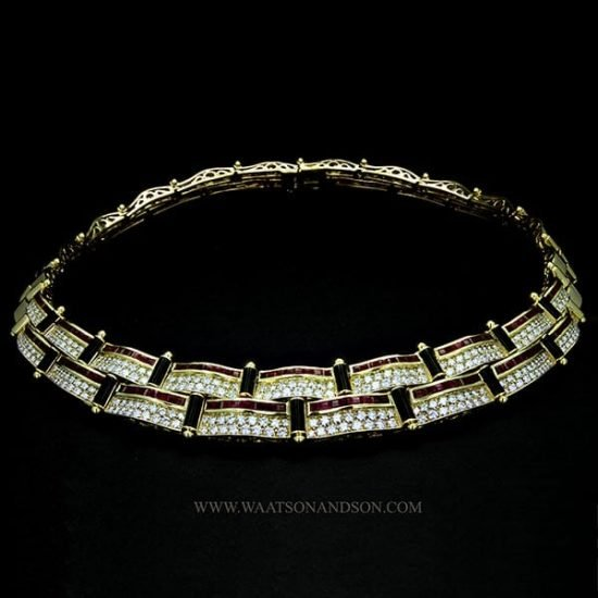 18 Kt Yellow Gold Ruby Diamond And Onyx Collar 2