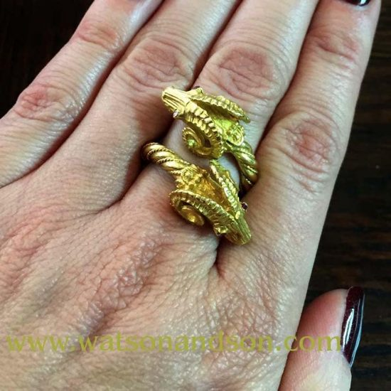 18 Kt Yellow Gold Double Rams Head Ring 2