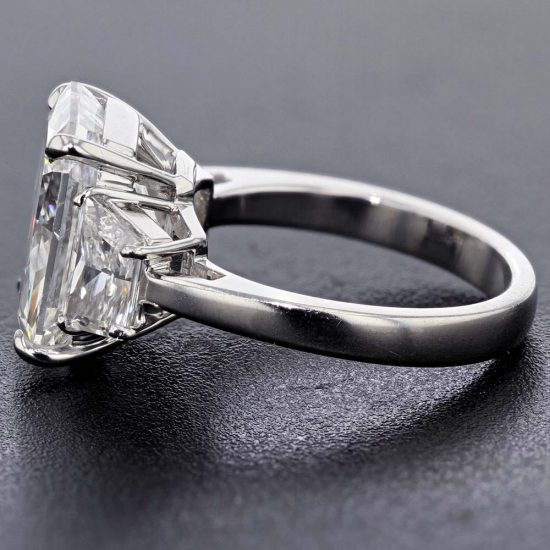 Radiant Cut Diamond Solitaire Ring 3