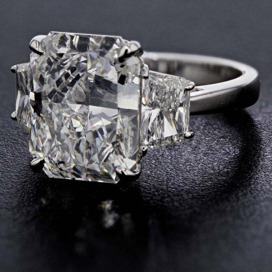 Radiant Cut Diamond Solitaire Ring 1