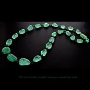 cabochon emerald beads 260 ct web