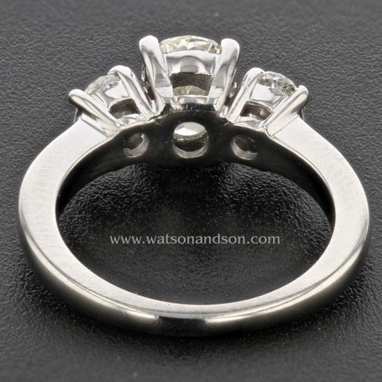 Three Stone Oval Diamond Ring 2