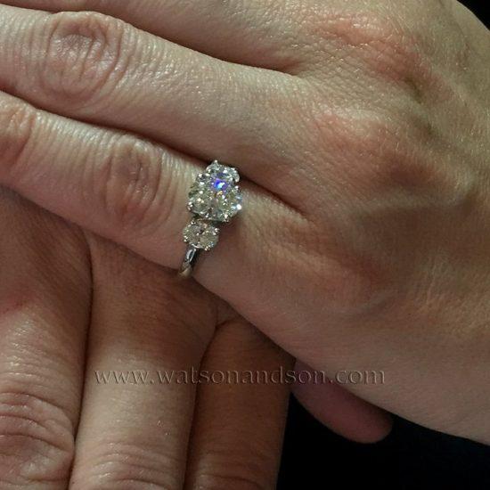 Three Stone Oval Diamond Ring 4