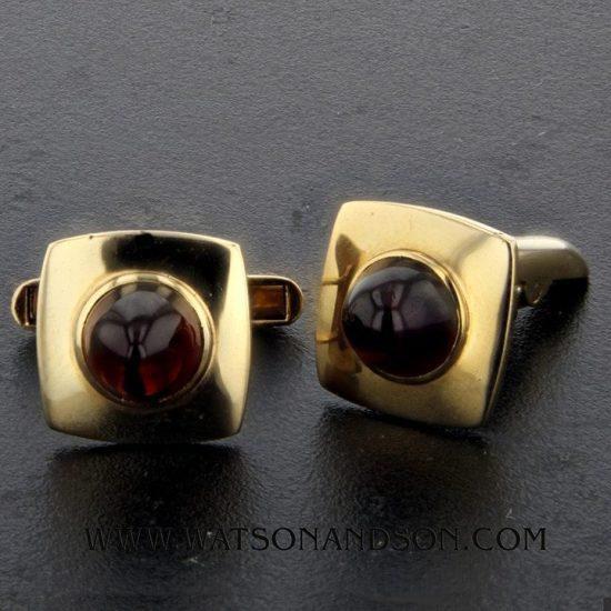14K Cabochon Garnet Cufflinks 1