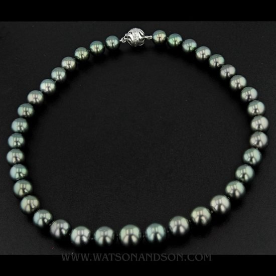 Graduated Tahitian Pearl Necklace; 1
