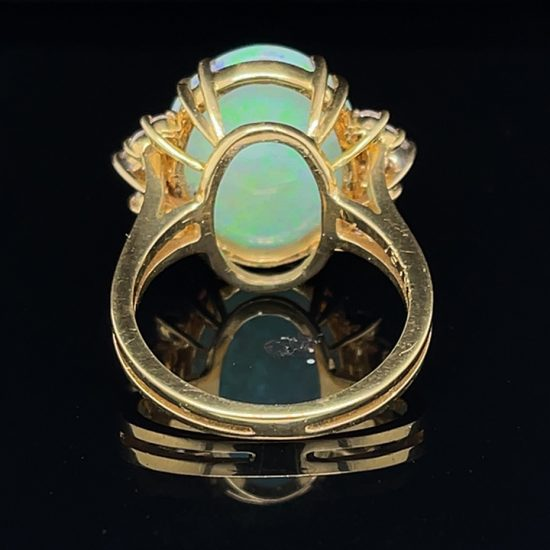 18K Opal And Diamond Ring 4
