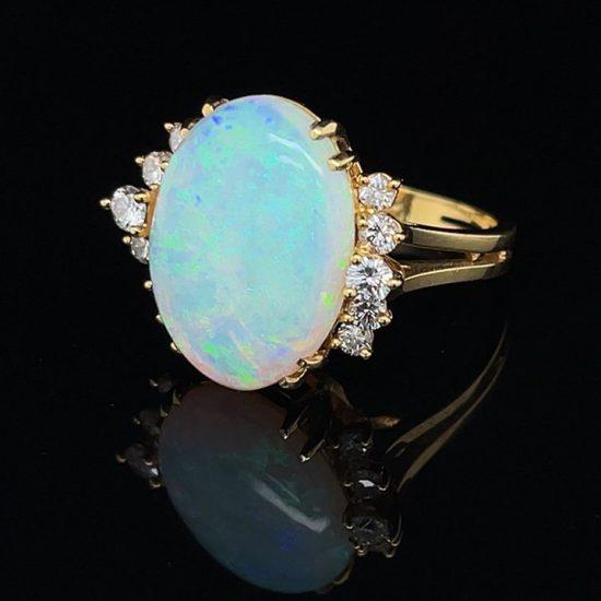 18K Opal And Diamond Ring 7