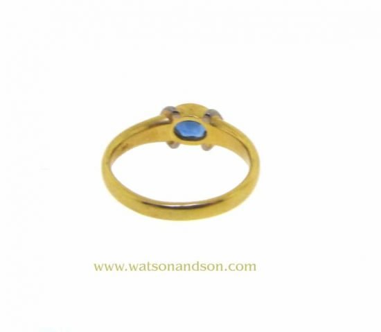18K And Platinum Oval Sapphire Ring 4