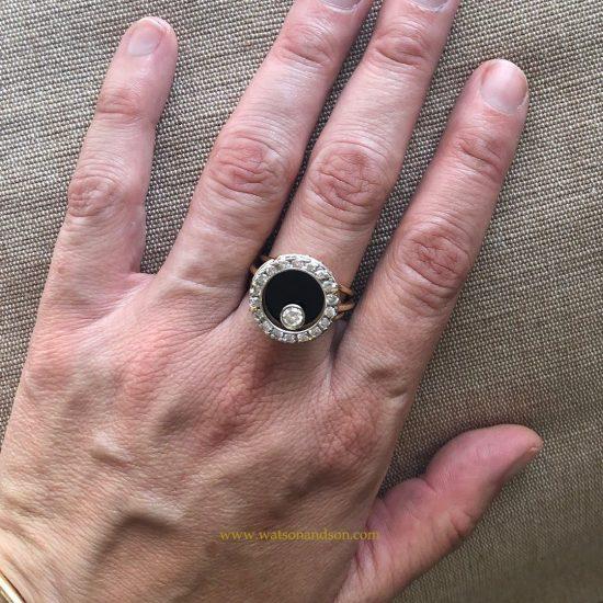 Yellow Gold Onyx &Amp; Diamond Swinger Ring 4