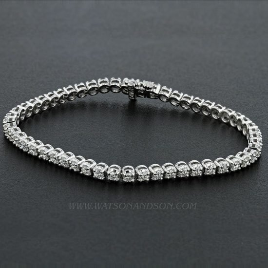 Stunning White Gold Diamond Tennis Bracelet 1