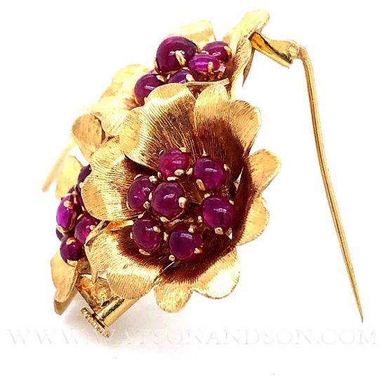 Yellow Gold Cabochon Ruby Pin 5