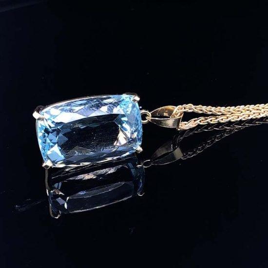 Yellow Gold Cushion Cut Aquamarine Drop Pendant And Chain 3