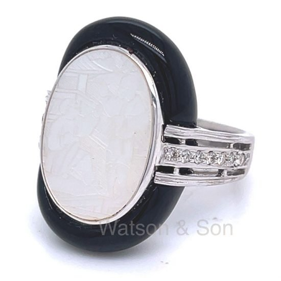 White Gold Onyx And Mother Of Pearl Ring 2