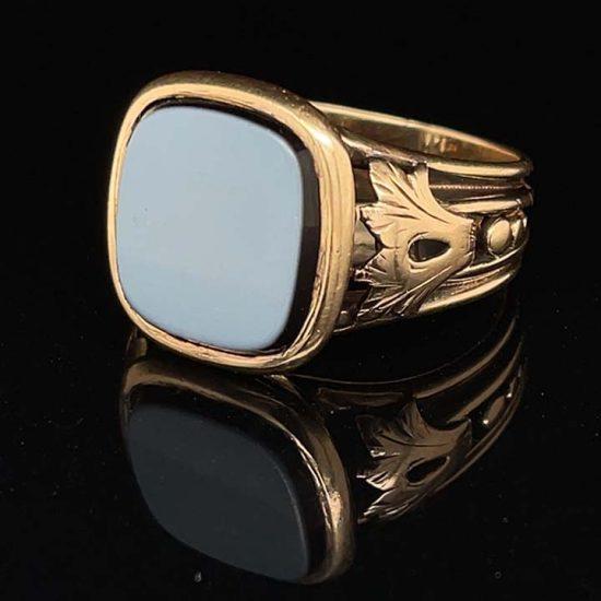 Sardonyx Yellow Gold signet Ring 1