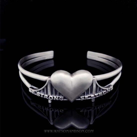 Heartbridge Silver Cuff Bracelet 1