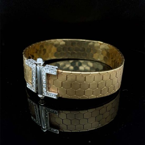 18 Kt Yellow Gold And Diamond Cuff Bracelet 2