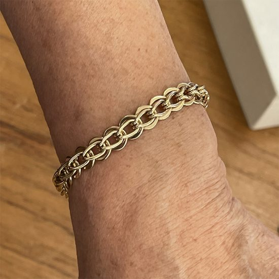 Tiffany &Amp; Co. Yellow Gold Loop And Loop Bracelet 6