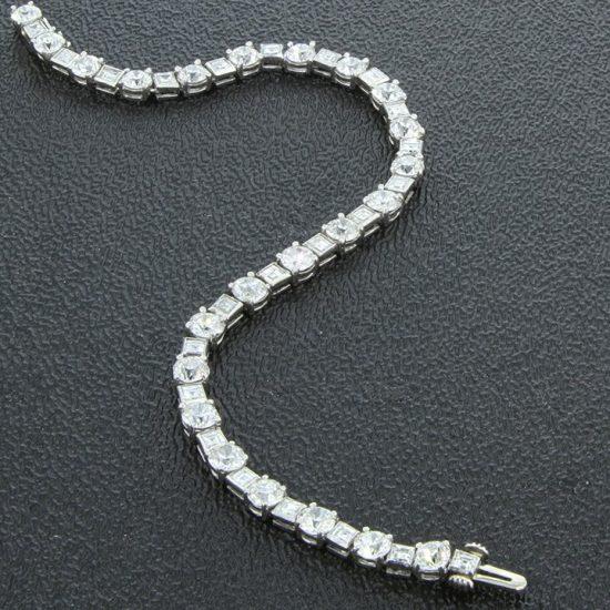 European Cut Diamond Bracelet In White Gold 1