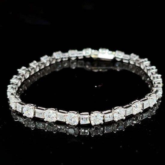 European Cut Diamond Bracelet In White Gold 3